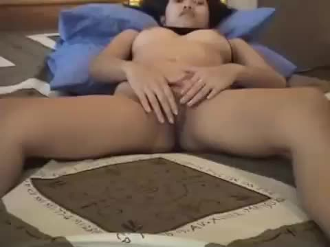 Asian webcam girl just 18 spreading her pussy